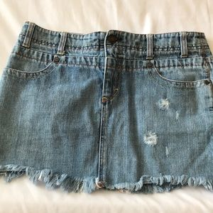 🔥 5 for 15 American Eagle Distressed Mini Skirt